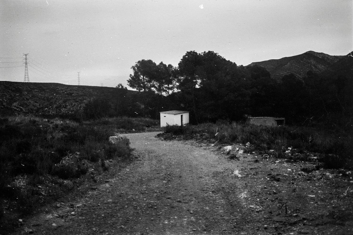 Ana Peixet en Contrafotografía - Dos Aguas revelado con la fuente del pueblo